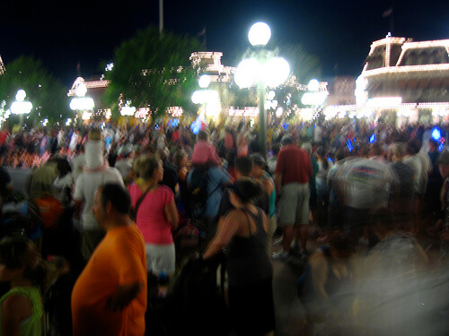 Blurry crowd picture in Town Square
