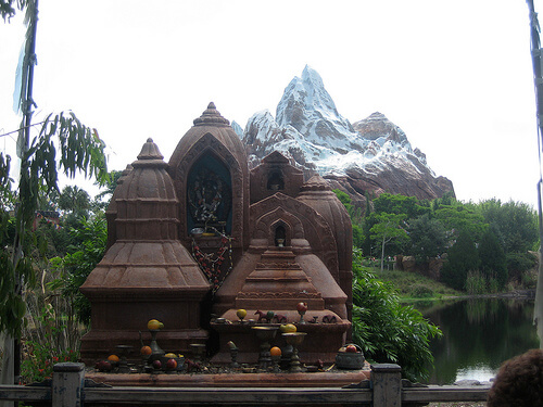 Shrine / Expedition Everest photo op