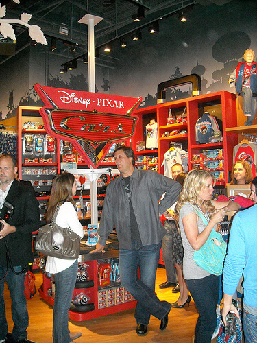 Disney/Pixar Cars Ridemakerz CEO Larry Andreini (center)
