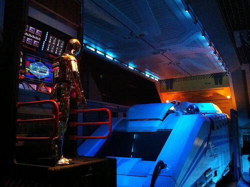 Star Tours queue - C3PO & Starspeeder 3000