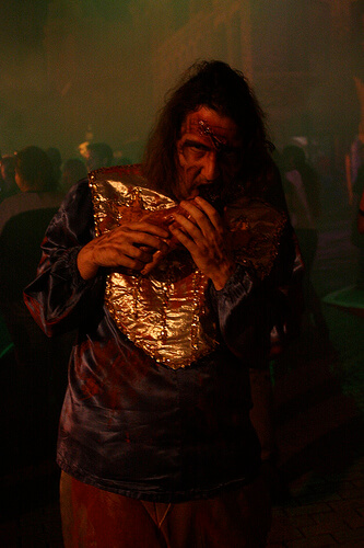 Ricky Brigante as a zombie at Halloween Horror Nights 2010