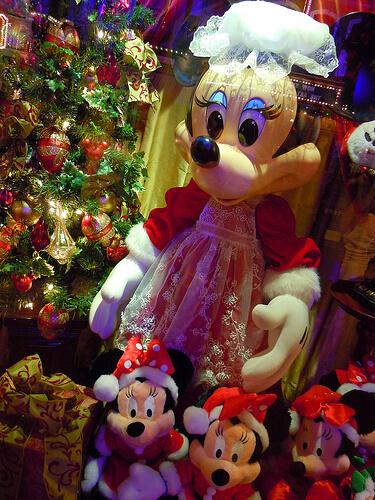 Minnie Mouse Main Street window