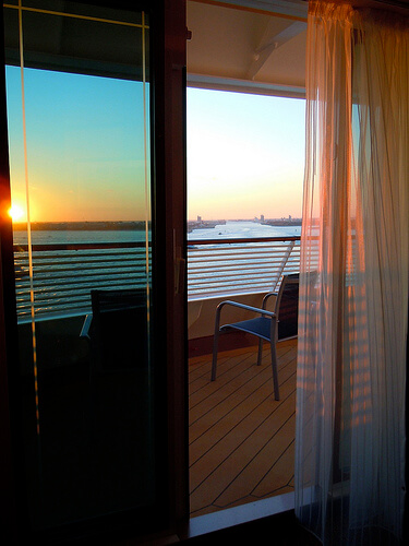Deluxe Veranda state room, Balcony, corner, deck 10 - Disney Dream