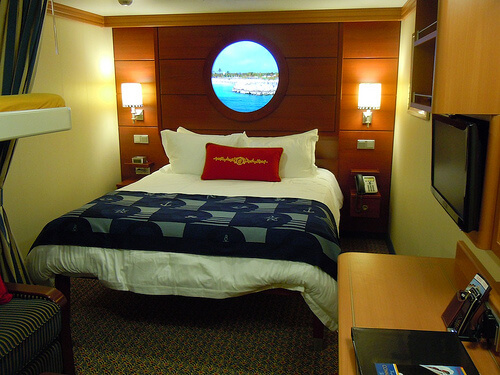 Deluxe interior state room - Disney Dream