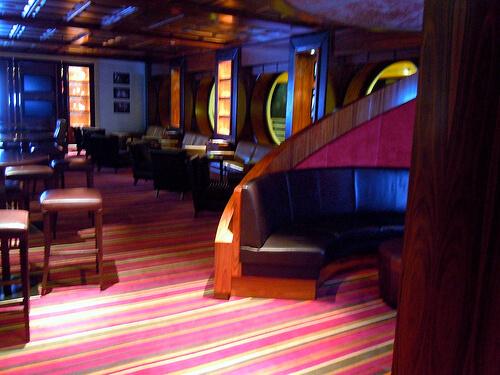 687 lounge
