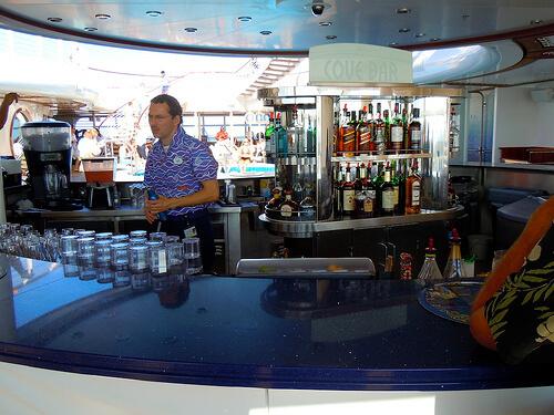Quiet Cove bar - Disney Dream