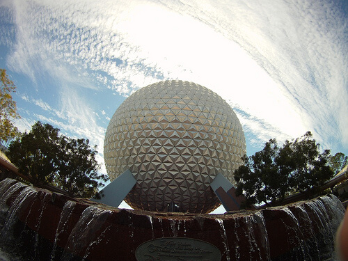 Spaceship Earth and fountain