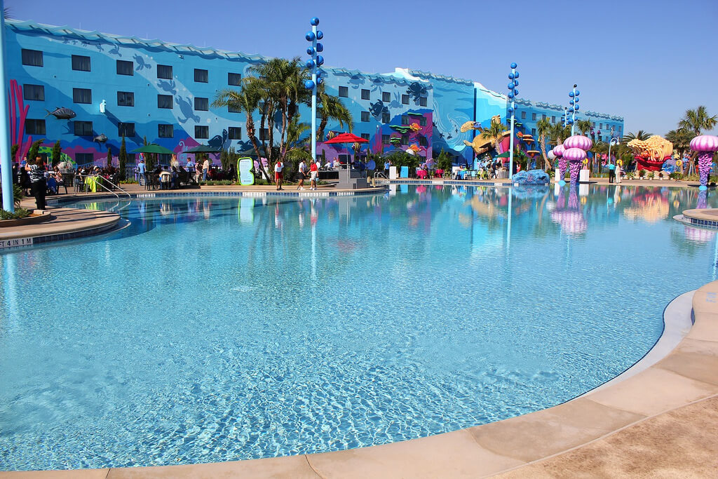 Big Blue Pool At Disney 39 S Art Of Animation Resort Brings Finding Nemo To Life With Underwater