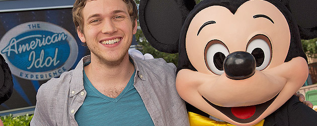 "Video: Newest ""American Idol"" winner Phillip Phillips surprises Walt Disney World guests at Disney's Hollywood Studios"