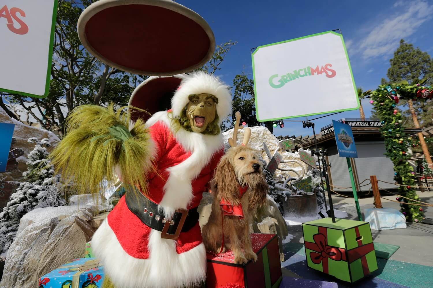 Grinchmas steals spotlight at Universal Studios Hollywood as ...