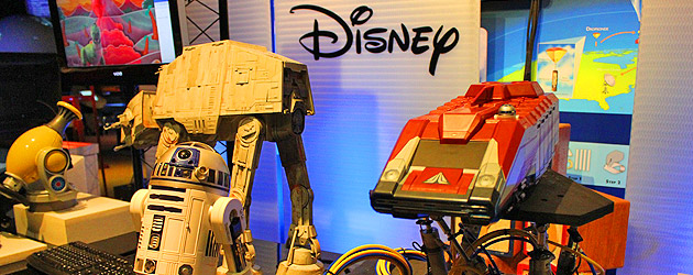 Disney demos Star Tours tech, ride simulations during Otronicon 2014 this weekend at Orlando Science Center