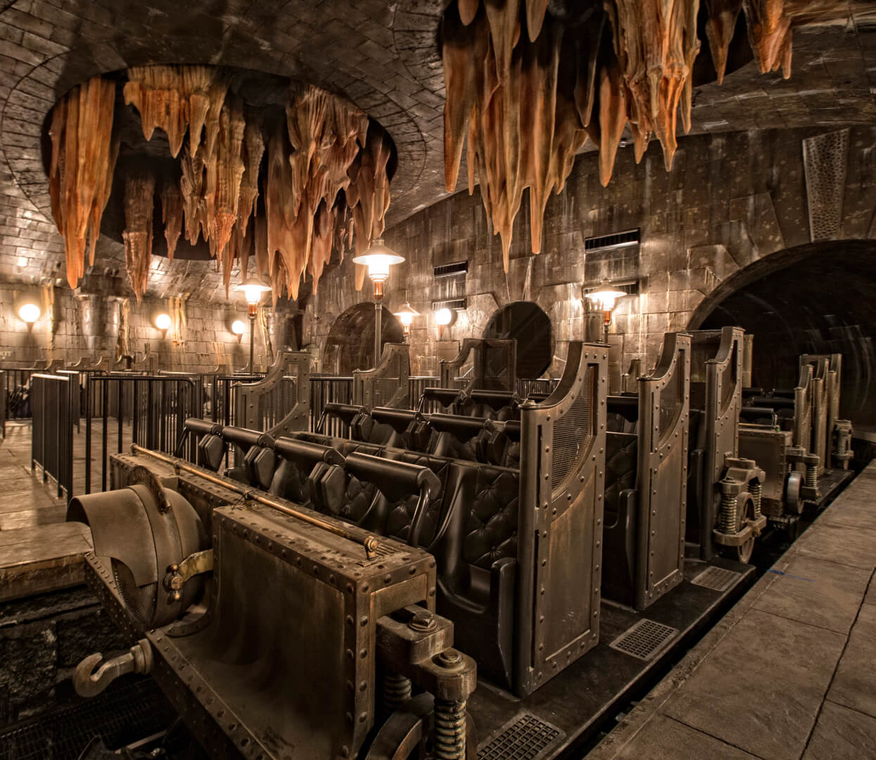 voldemort bellatrix revealed in new escape from gringotts ride details for universal orlando. Black Bedroom Furniture Sets. Home Design Ideas