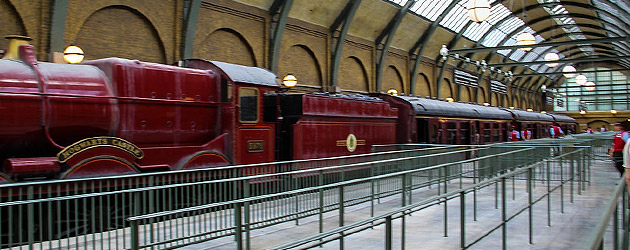Hogwarts Express soft opens for excited #PotterWatch fans at Universal Orlando a week before Diagon Alley grand opening