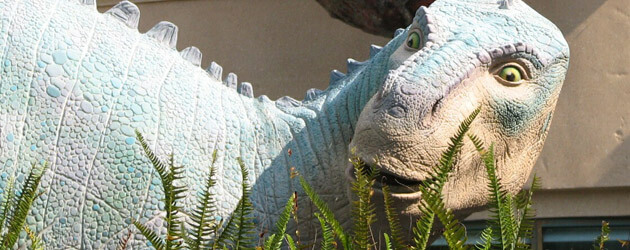 D-Tales #6: Dinosaur / Countdown to Extinction at Disney's Animal Kingdom – Tributes and Remnants