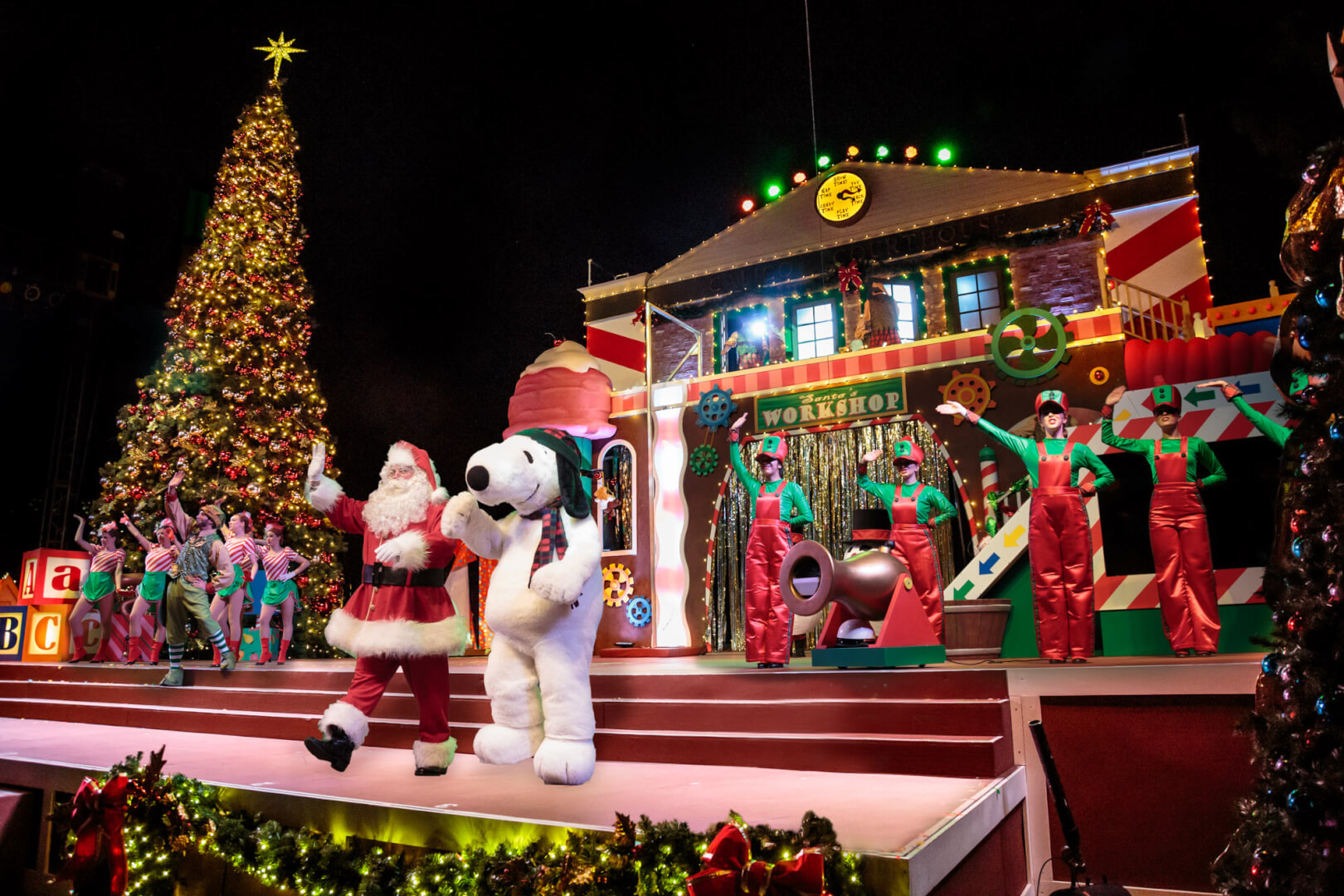 Knott's Merry Farm offers casual Christmas entertainment ...