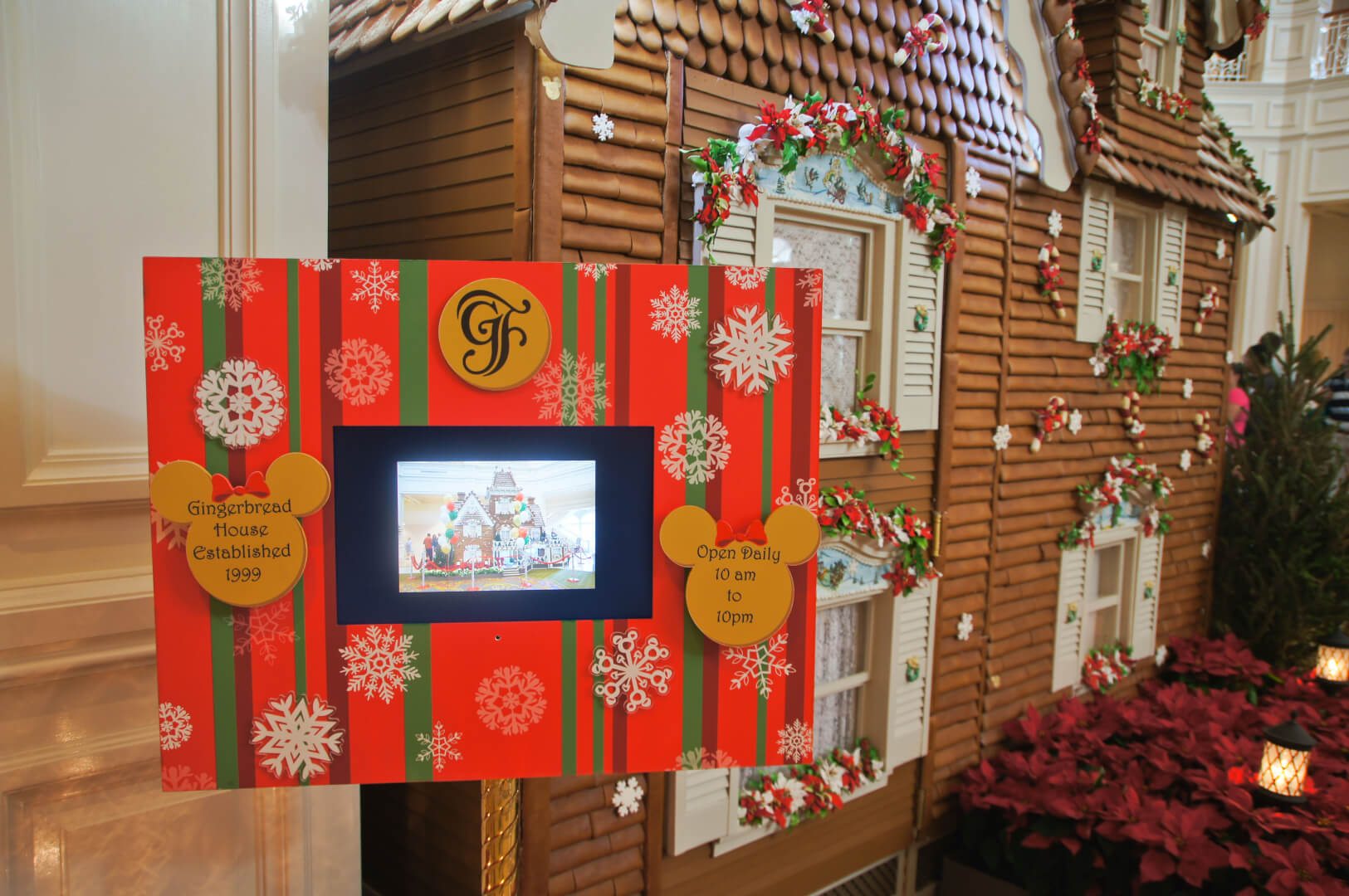 Wonderful disney decorate for christmas
