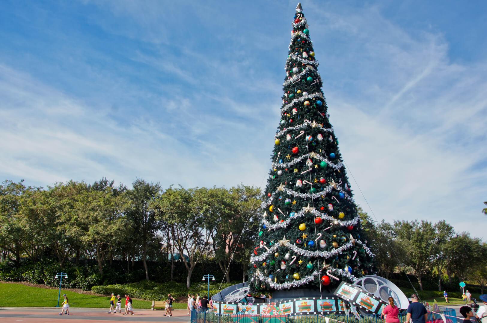 ParkSpotting at Disney's Hollywood Studios: Christmas Wrap-Up ...