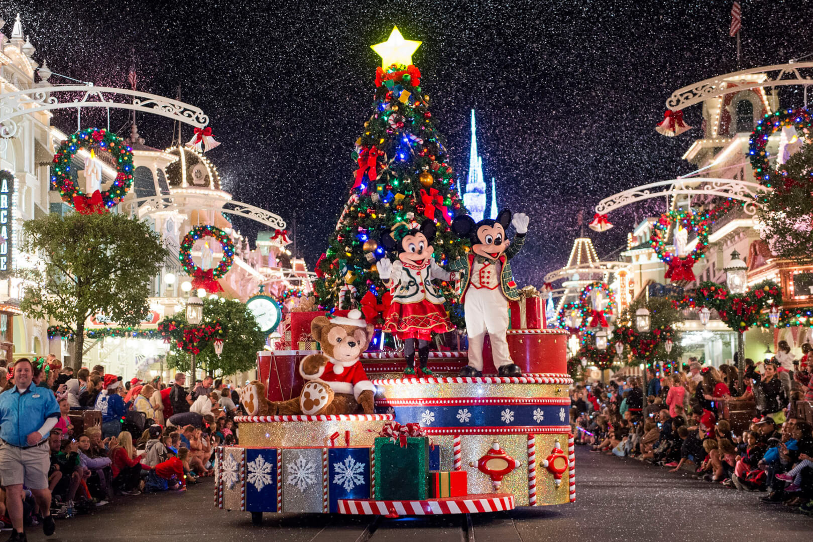 Disney world christmas decorations 2014 - Want More Tips For Making It Through Christmas With Ease At Walt Disney World