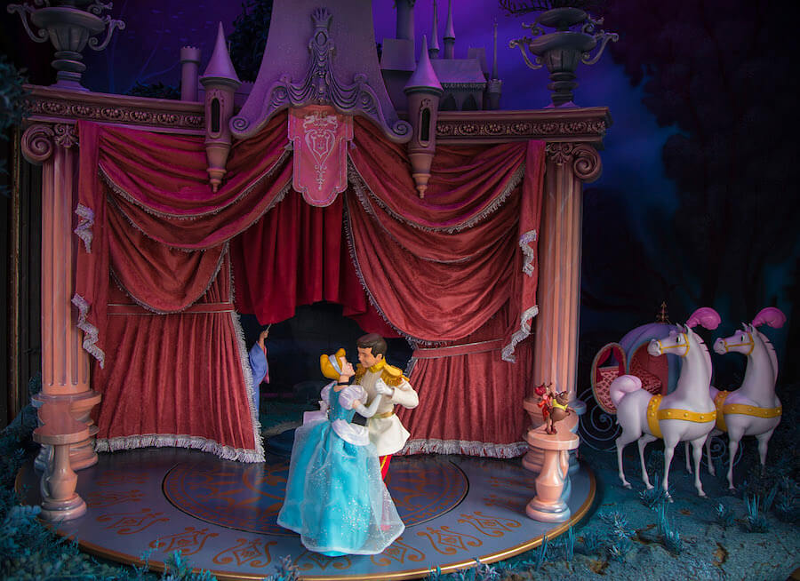 Video New Main Street Enchanted Window Featuring