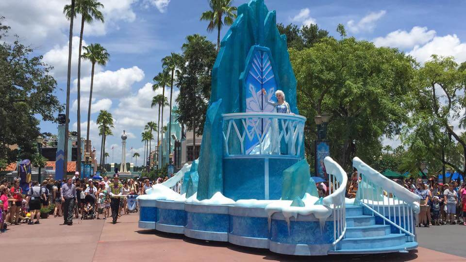 Video Frozen Royal Reception Parade At Disneys Hollywood Studios