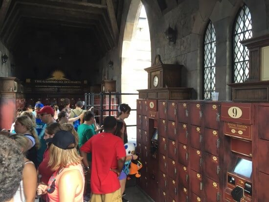 Attraction Lockers - Near Dragon Challenge