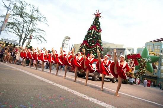 Macy's Holiday Parade 7 - LR