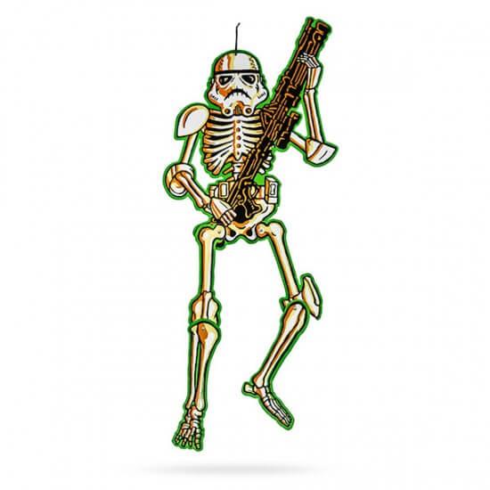 ilvo_sw_stormtrooper_hanging_skeleton