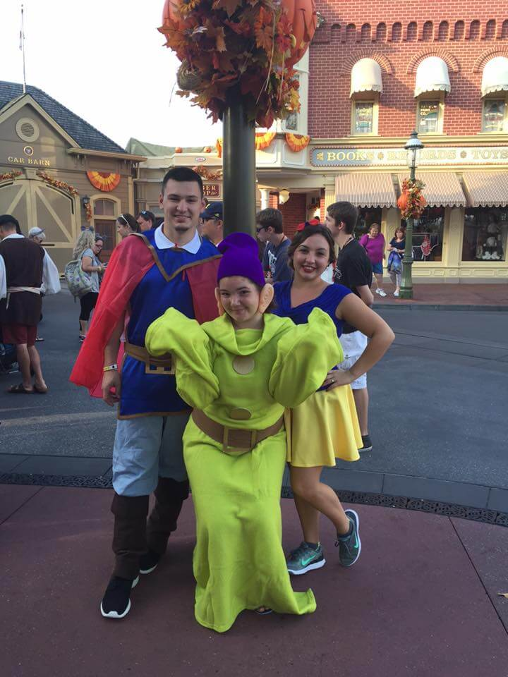 Disney Halloween Party Costume Ideas For Adults.Photos Top 20 Disney Costumes From Last Night S Mickey S Not So