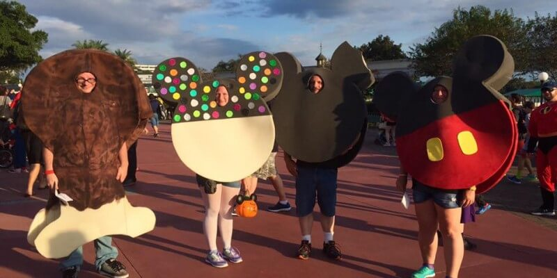 photos top 20 disney costumes from last nights mickeys not so scary halloween party - Disneys Not So Scary Halloween Party