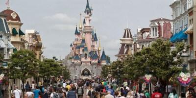 Sleeping Beauty Castle & Main Street USA - Disneyland Parise