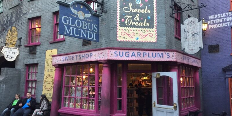 magical treats appear in diagon alley with the opening of sugarplum 39 s sweet shop inside the magic. Black Bedroom Furniture Sets. Home Design Ideas