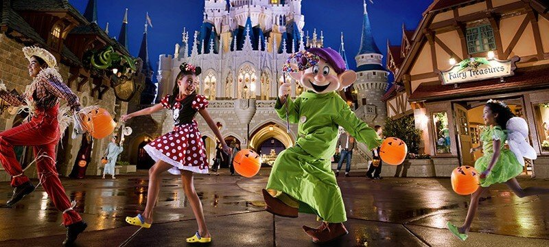Special dessert party for Mickey's Not-So-Scary Halloween event to ...