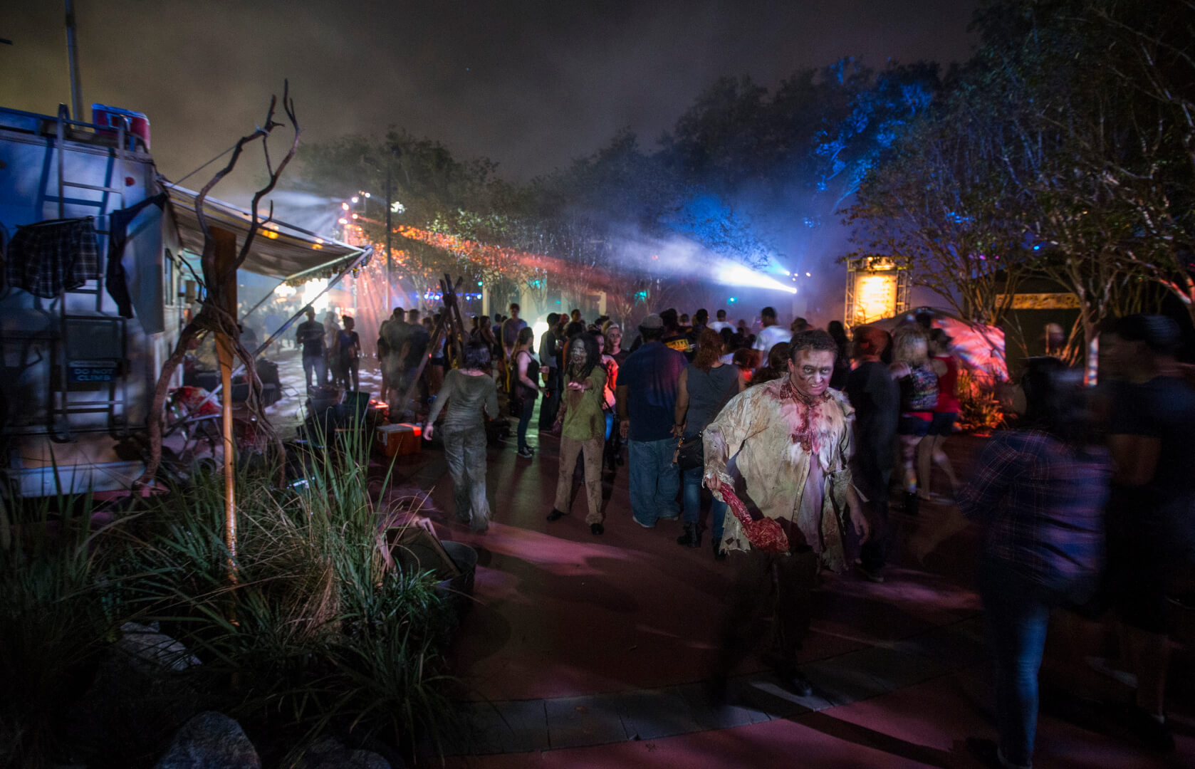 special vacation package now available for universal orlandos halloween horror nights 26 - Halloween Horror Nights In Orlando Florida