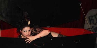 Grotesque Burlesque-5