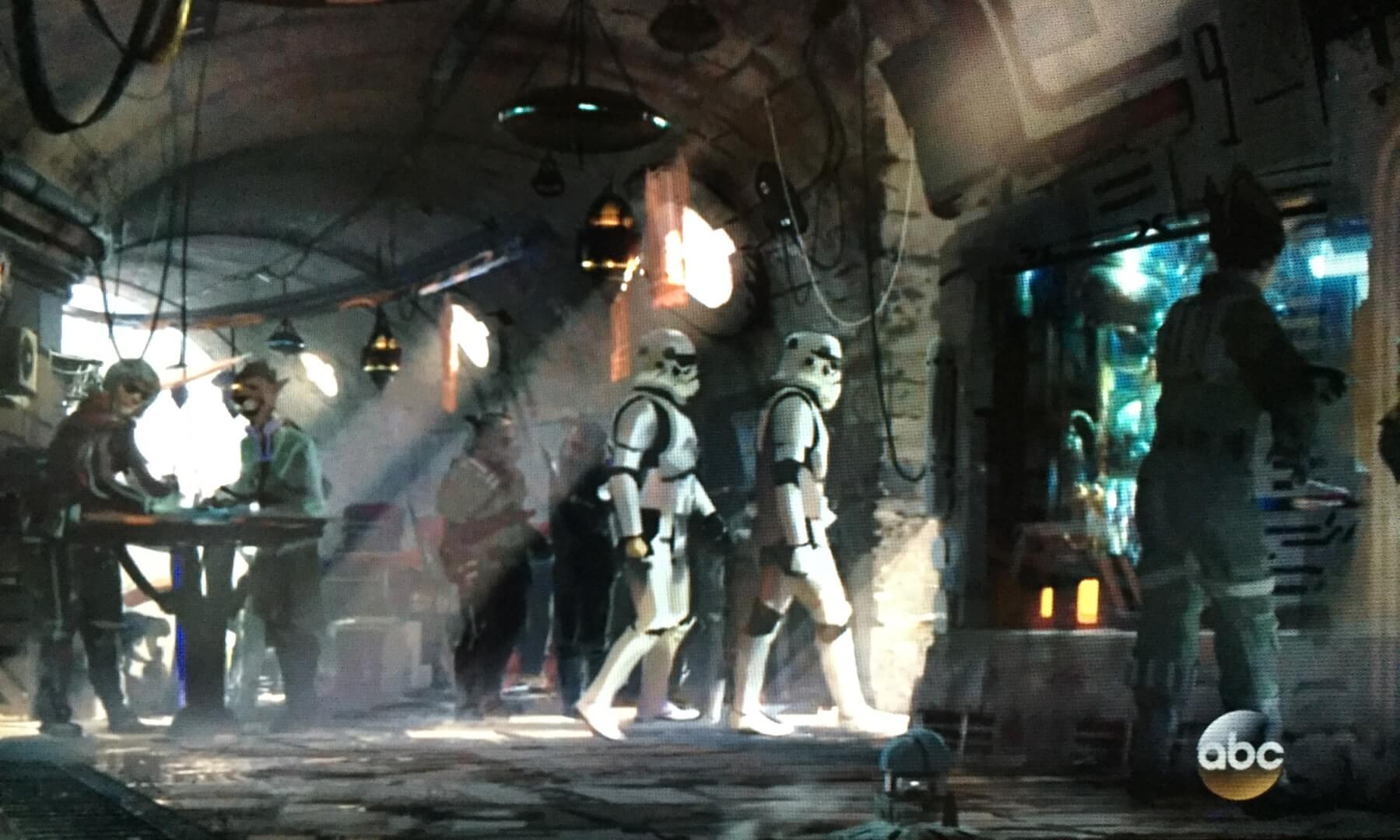 Star Wars land Disneyland Resort -new 2019- Star-Wars-Land-7