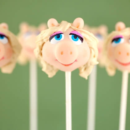 miss-piggy-cake-pop-recipe-photo-420x420-bakerella_IMG_3311