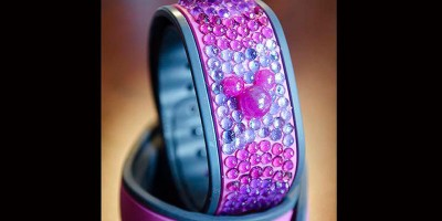 os-disney-fans-make-23-carat-magicband-picture-001