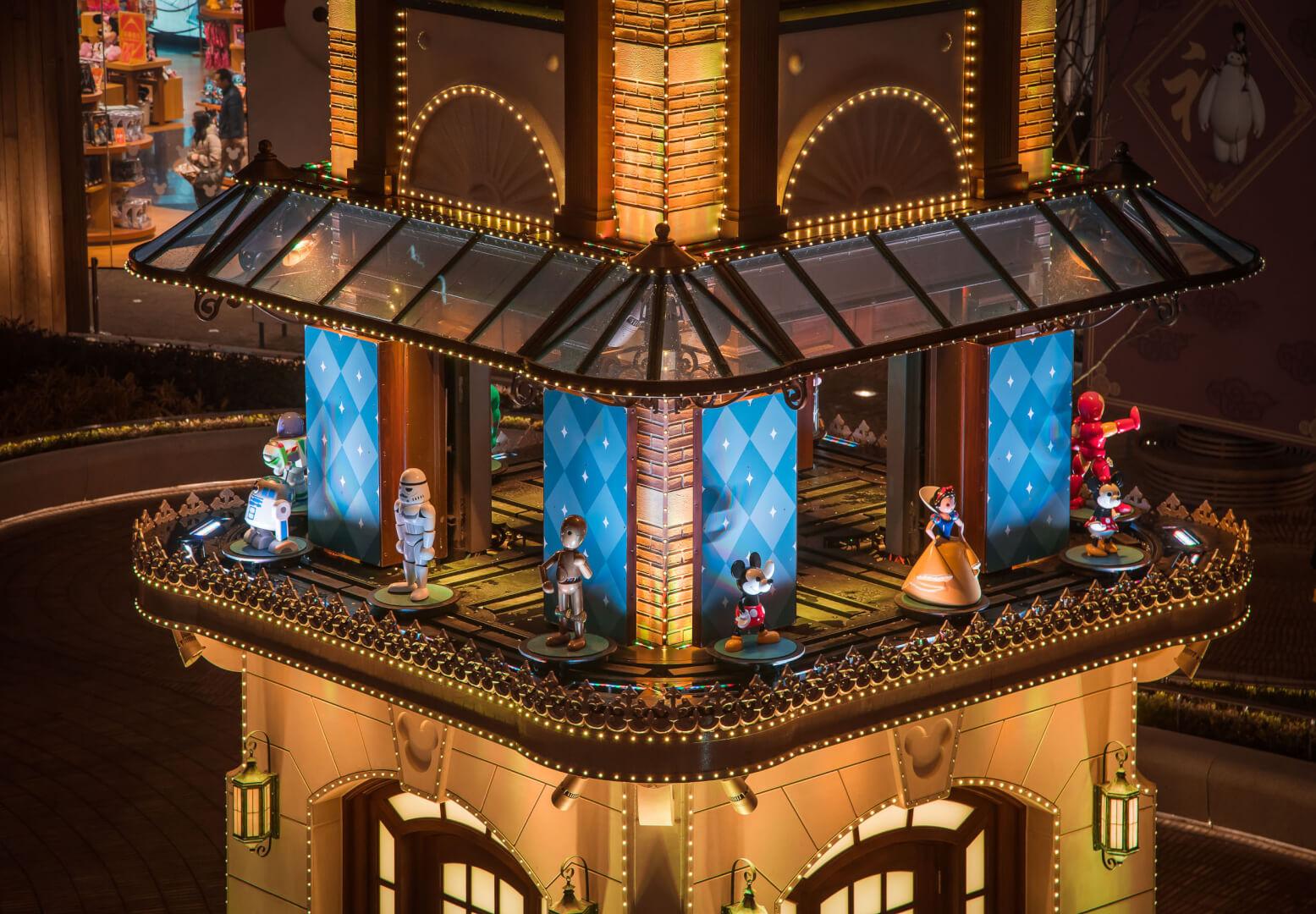 VIDEO: New clock tower debuts at Shanghai Disney Store Plaza | Inside ...