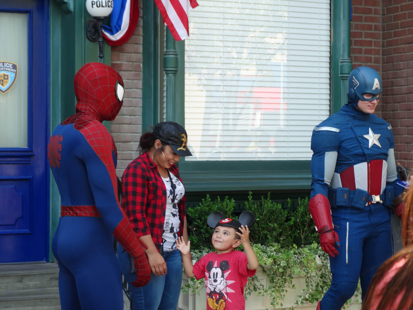 video captain america and spiderman meet and greet