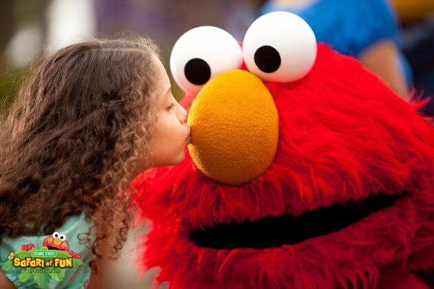 Sesame Street Kids Weekend_Elmo Kiss