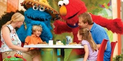 Sesame Street Kids Weekends_Elmo and Cookie Monster