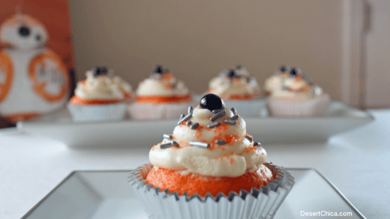 Star-Wars-The-Force-Awakens-BB-8-Cupcakes