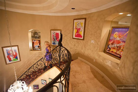 Photos Check Out Holly Madison S Amazing Disney Homes