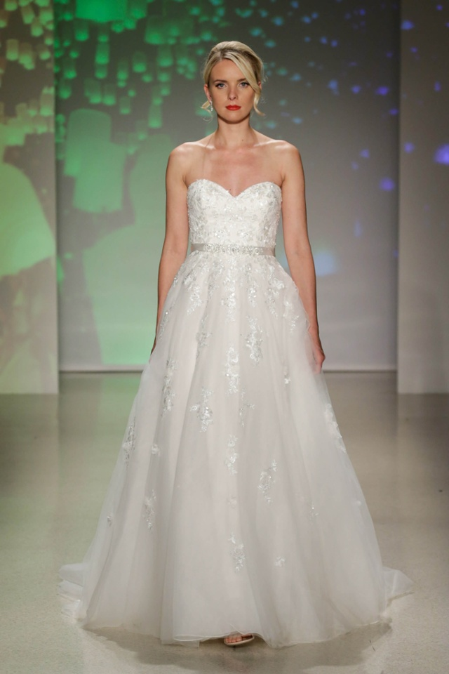 Alfred Angelo debuts new Disney Princess wedding dress ...