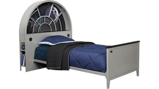millenium-falcon-bed