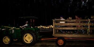 2016-enchanted-christmas-village-11