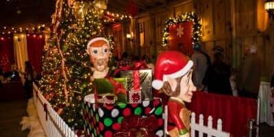 2016-enchanted-christmas-village-26