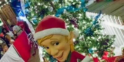2016-enchanted-christmas-village-32