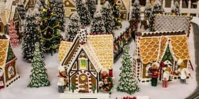 2016-enchanted-christmas-village-56