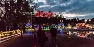 2016-enchanted-christmas-village-8
